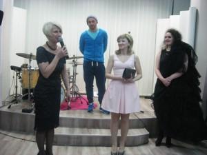 Bohaterka wieczoru Elena Mirzajewa (pośrodku)