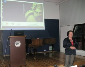 Dr Lubomira Tyszler prezentuje książkę Archeologia barbarzyńców