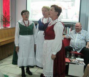 Śpiewaczki z Zespołu Folklorystycznego z Popowic