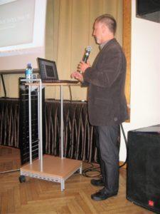 Wykład inauguracyjny wygłasza Bogusław Kurzyński, dyrektor Katolickiego Liceum Ogólnokształcącego