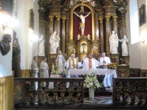Celebransi Mszy św. .Od lewej: ks. Marian Stochniałek, o. Błażej, ks. Paweł Otręba