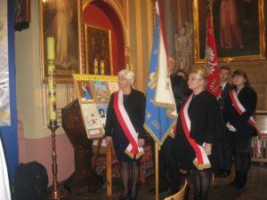 Poczty sztandarowe Akcji Katolickiej z Działoszyna i Liceum Katolickiego