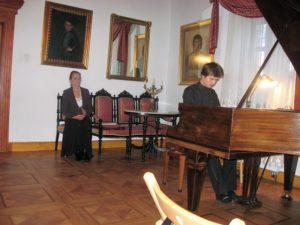 Przy fortepianie Tomasz Ritter